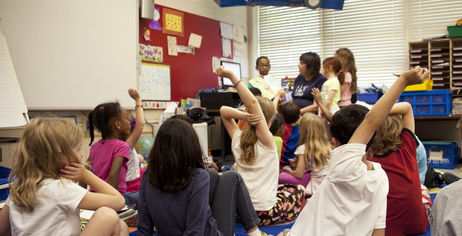 Capa do artigo O lugar do estágio na formação docente e a docência na educação infantil